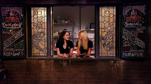 2brokegirls301