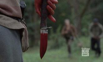 twd-s04e14-bloody-knife