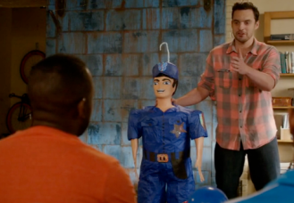 Piñata de policía para Winston
